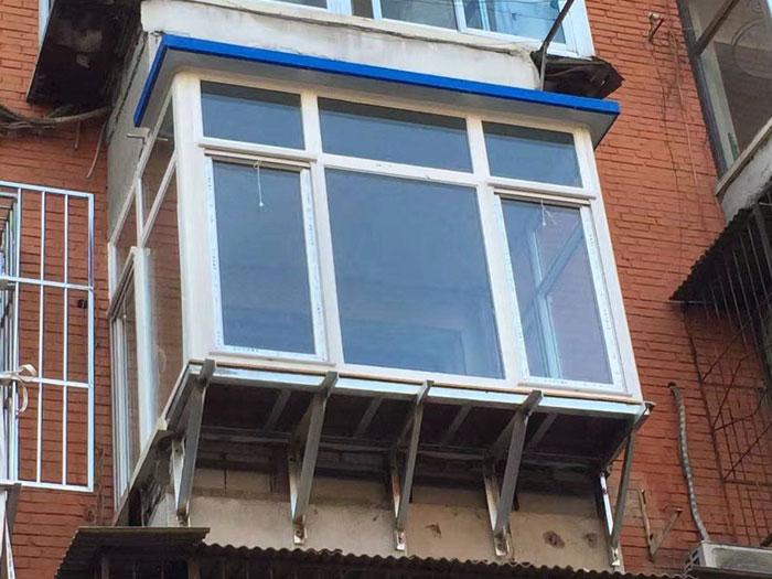 断桥铝飘窗小阳台阳光房制作
