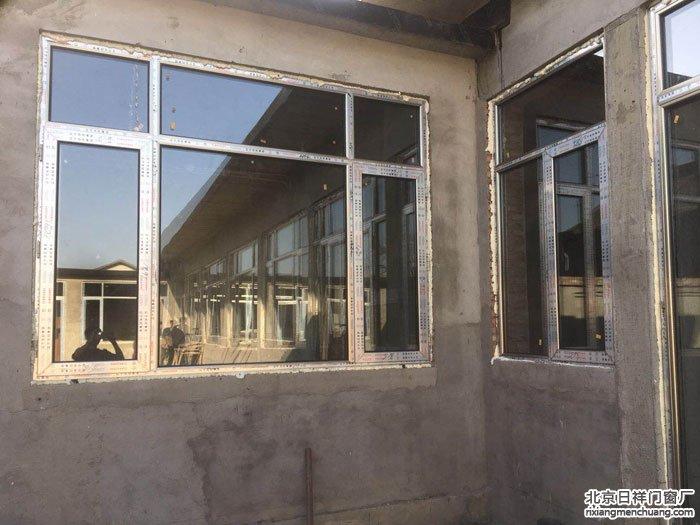 顺义四合院自建房忠旺断桥铝门窗60系列新门窗安装