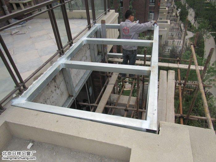 通州北关旭辉御景换窗户露台封阳光房钢化玻璃顶