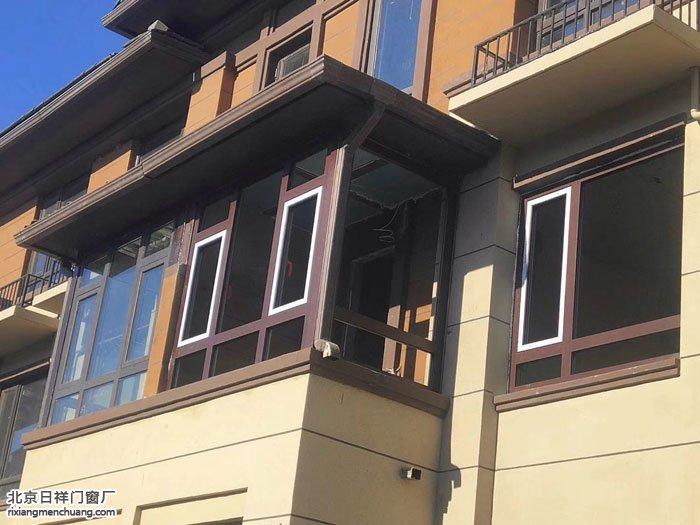 通州珠江国际城别墅封露台换断桥铝门窗安装现场实拍