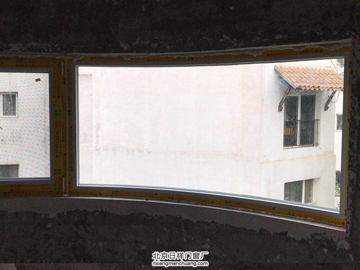 大兴凉水河坚美断桥铝门窗70系列白色封阳台换窗户