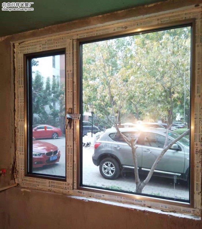 东城东花市南里东区一楼安装60系列断桥铝门窗