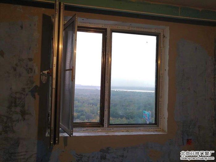 海淀区泽丰苑安装坚美断桥铝70系列香槟色断桥铝门窗安装
