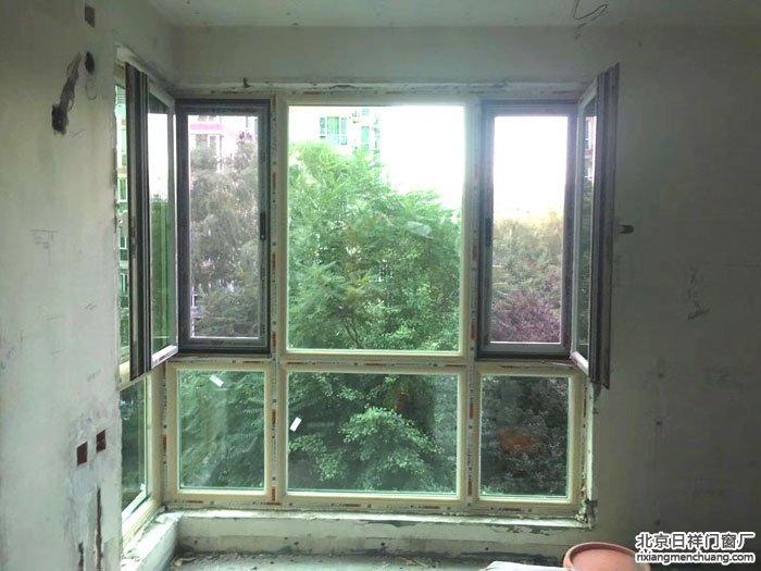 海淀田村路换断桥铝70系列型材L形落地阳台窗安装